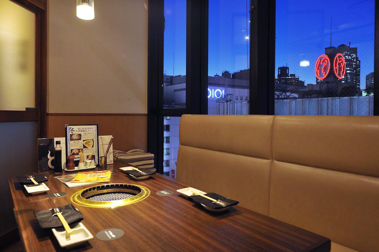 炭火焼肉ブラックホール 新宿三丁目店の写真